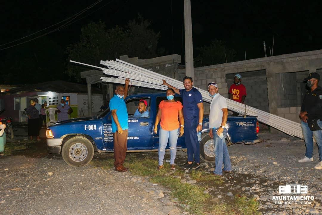 Alcaldía entrega materiales para sistema de agua en La Esperanza